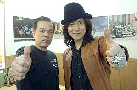取材時のダイアモンドユカイ氏とマスターの写真